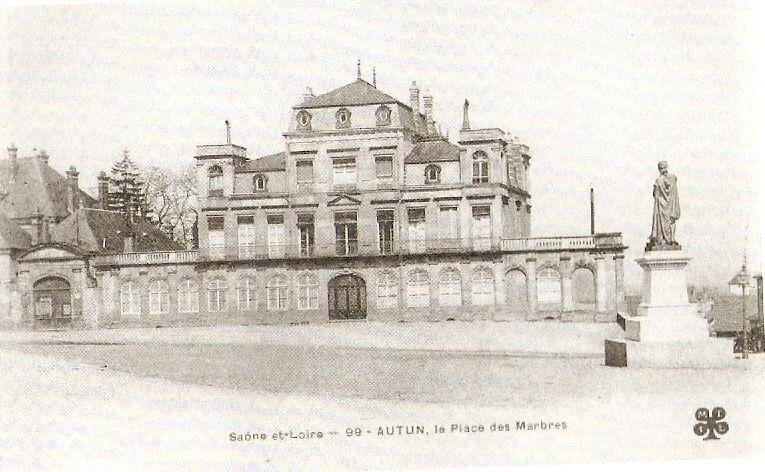 Place de Charmasse - 71400 Autun.