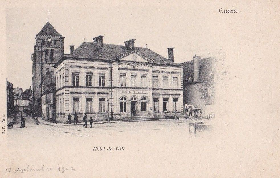 Cosne-sur-Loire - Hôtel de Ville - Cosne-sur-Loire.