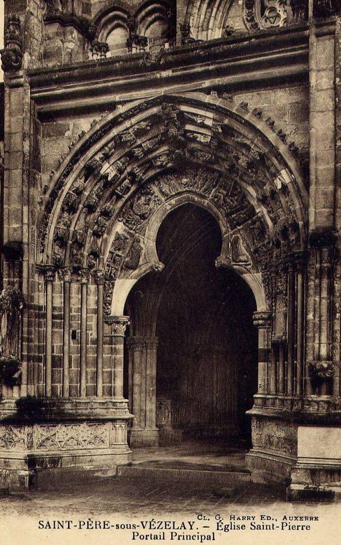 Saint-Père-sous-Vézelay - Porche de l'église, détail du portail, détail de la façade droite de l'église Saint-Pierre, vue intérieure du porche, intérieure de l'église - Saint-Pierre-sous-Vézelay.