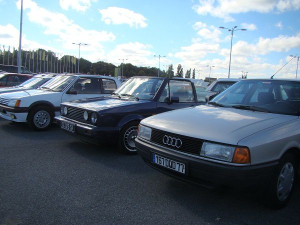 Le parking, parmi  Les Americ.......s