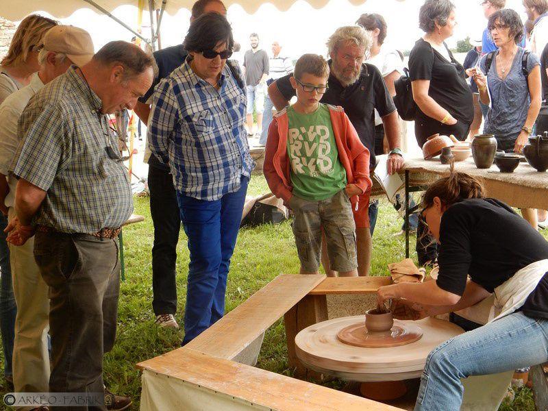 Démonstration de tour antique et installation de Jeux antiques aux Tours Mirandes