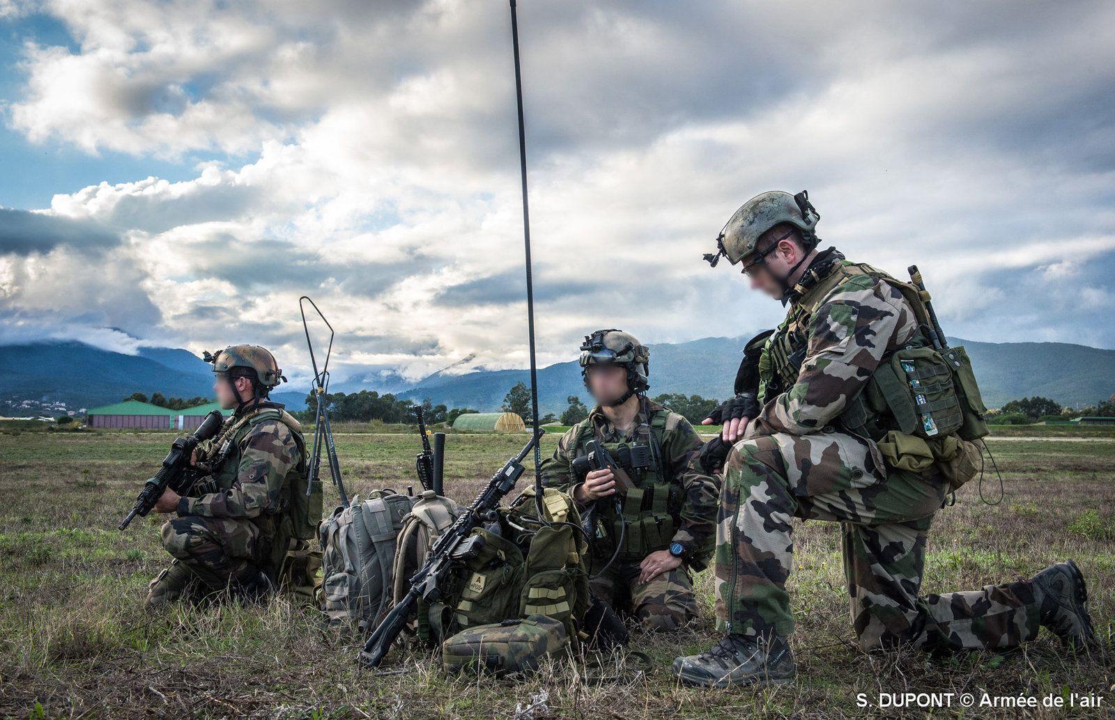 Groupe de commandos du CPA 10 en formation durant le stage BELOUGA