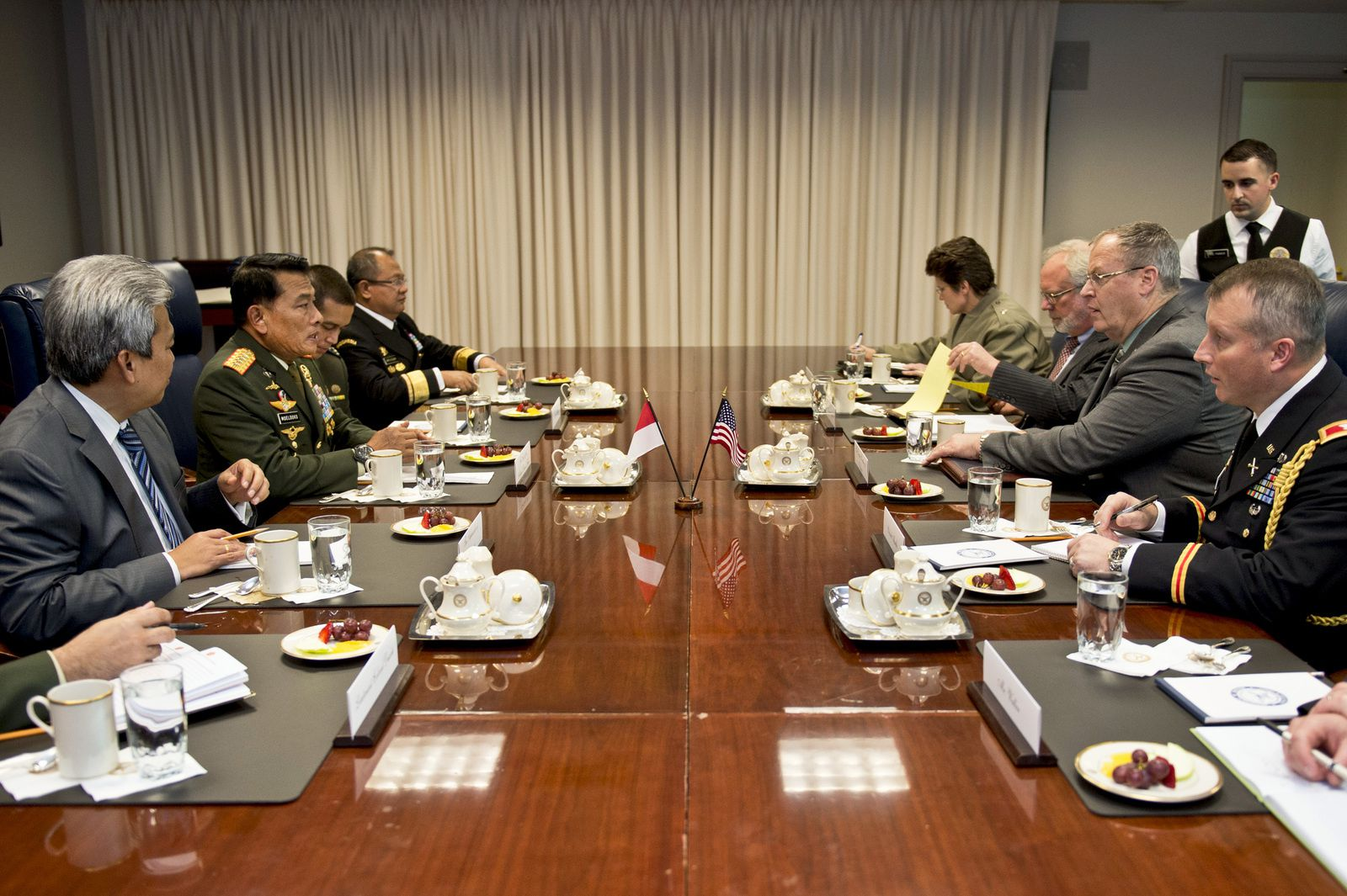 Work, Indonesian Military Leader Discuss Regional Stability