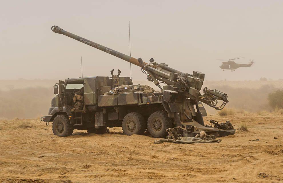 Le Drian a évoqué une livraison d'armes au Liban