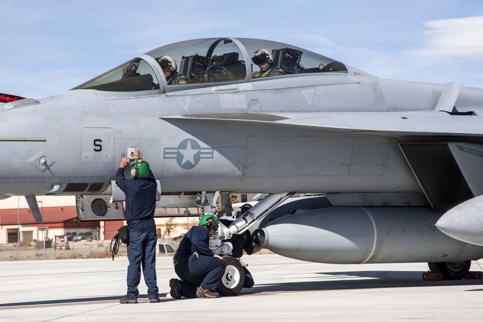 U.S. Navy Approves F/A-18 Super Hornet IRST System for Production