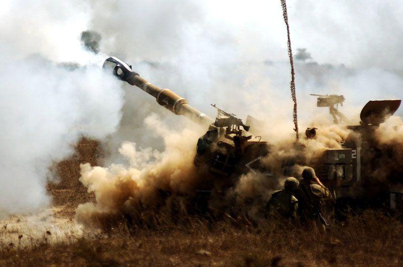 Golan: Israël pilonne les positions syriennes suite à un tir de roquettes