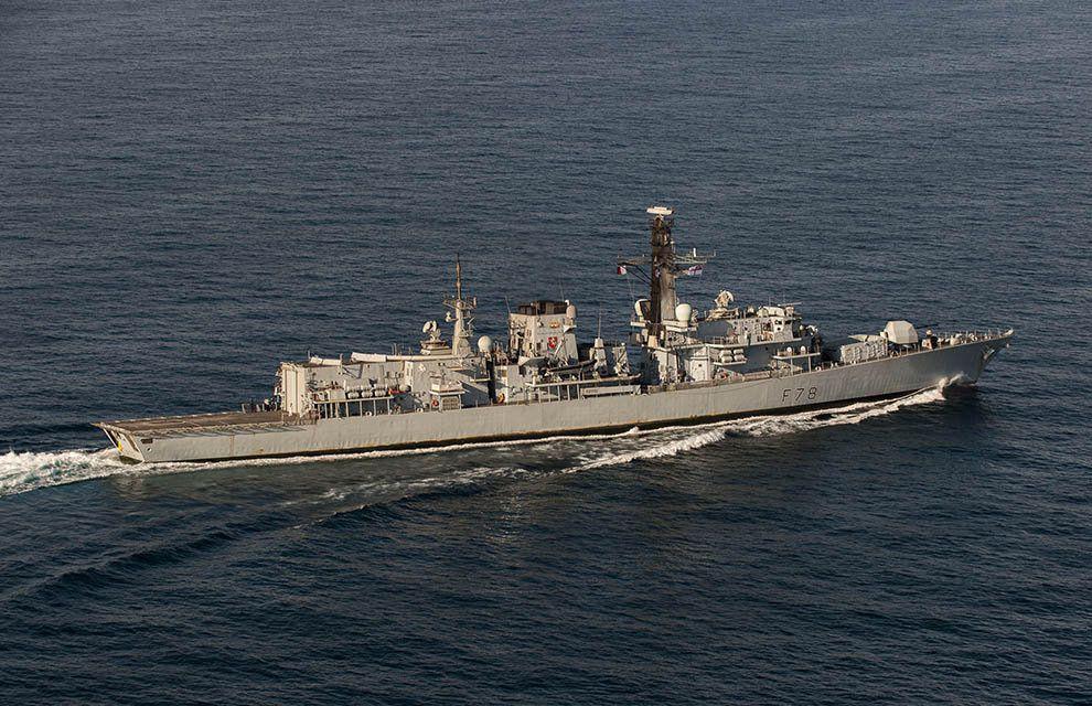 Mission Arromanches : La frégate anti sous-marine HMS Kent intégrée au groupe aéronaval français déployé en océan Indien