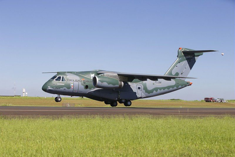 L'Embraer KC-390 fait son premier vol (video)