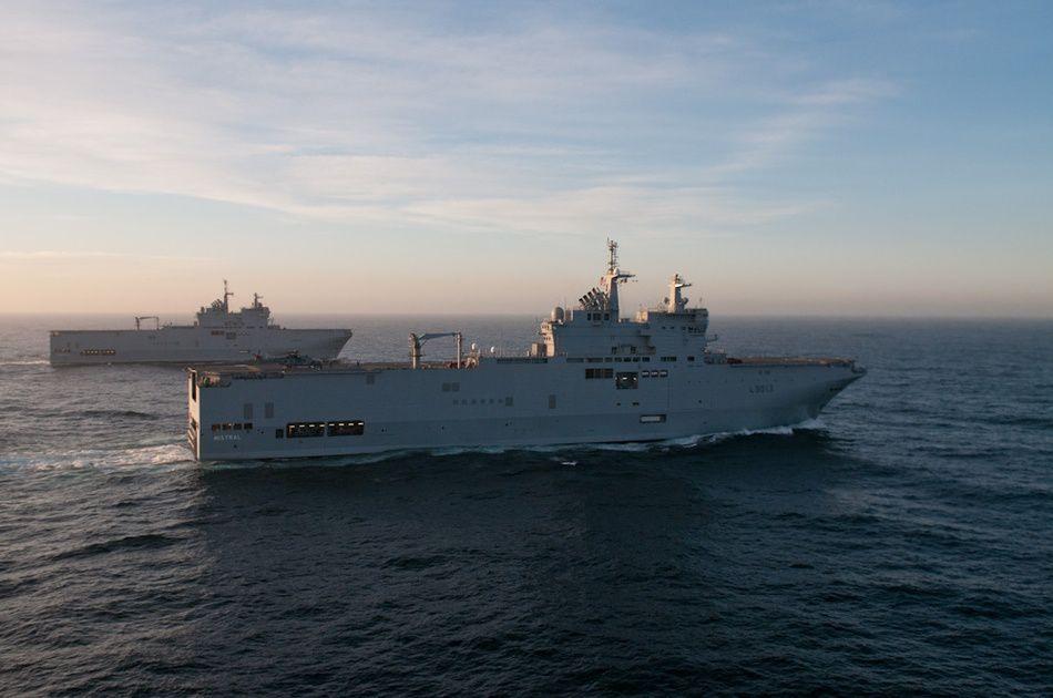 Le BPC Mistral et le BPC Tonnerre en mer Méditerranée - photo Marine Nationale