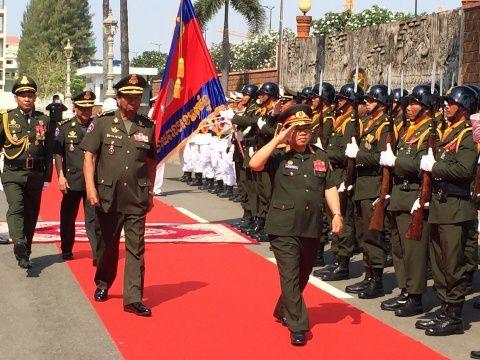Deputy Prime Minister Tea Banh (L) with Laotian National Defense Minister Lt. Gen. Sengnuan Saiyalath (R) at the Ministry of National Defense on March 2. (KT Photo: Ban Chork)