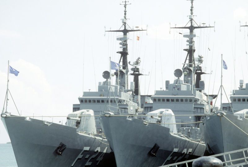 LUPO class frigates GENERAL SOUBLETTE (F-24) and GENERAL SALOM (F-25) docked alongside in port - photo US DoD