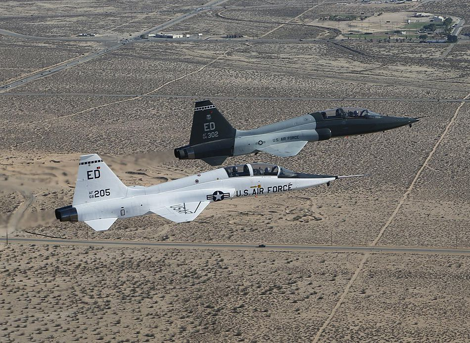 T-38 A and T-38 C - photo USAF