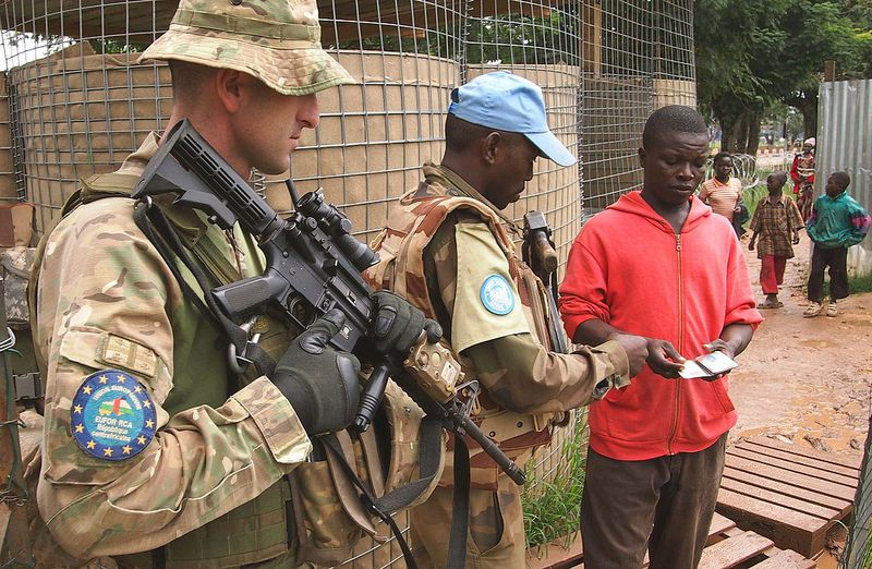 EUFOR RCA and MINUSCA forces operating a Checkpoint - photo EUFOR-RCA