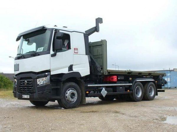 Renault Trucks Defense delivered several trucks to the French Armed Forces