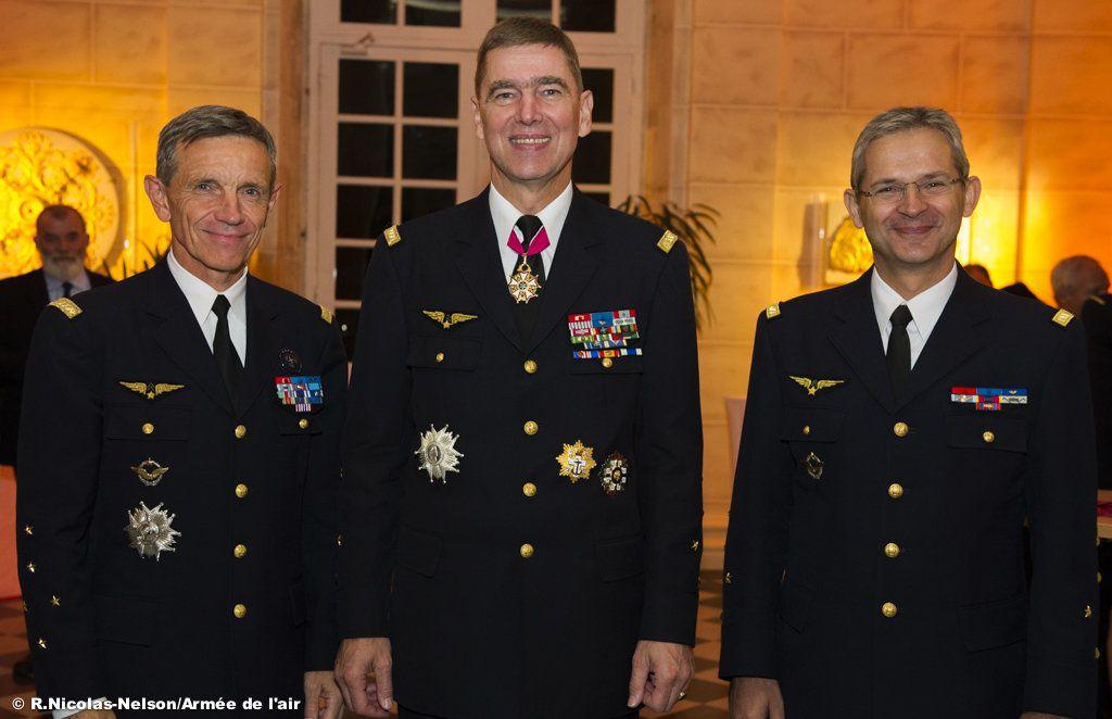 Les généraux Jean-Paul Paloméros, Stéphane Abrial et Denis Mercier
