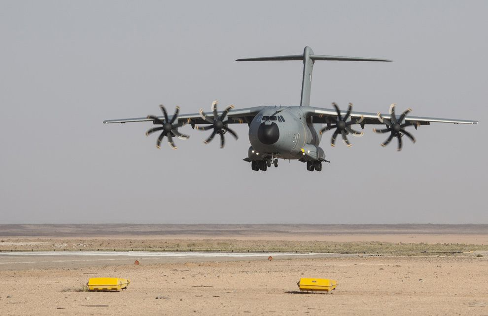Chammal : chargement de fret militaire à Aqaba en provenance du détachement chasse déployé en Jordanie