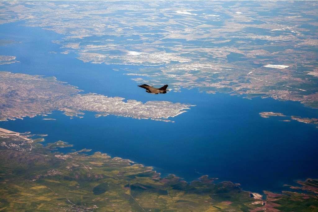 Rafale survolant le théâtre irakien en opération Chammal - photo Marine Nationale