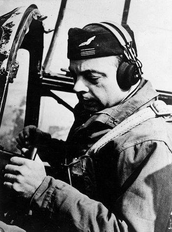 Antoine de Saint Exupéry, pilote de guerre - Archives B. Marck