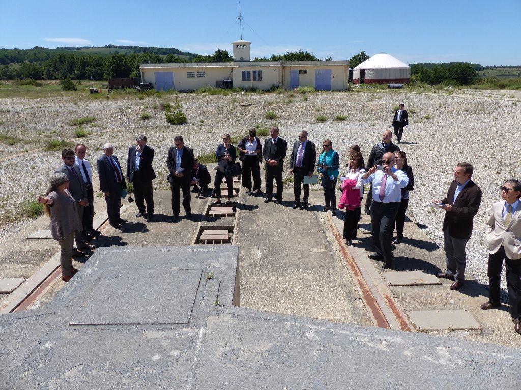 Plateau d'Albion : visite des représentants de la Conférence du désarmement de Genève