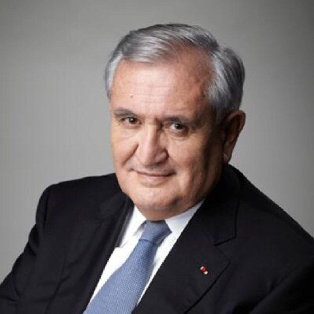 """Raffarin : l'effort de la France pour sa défense """"n'est pas suffisant"""""""