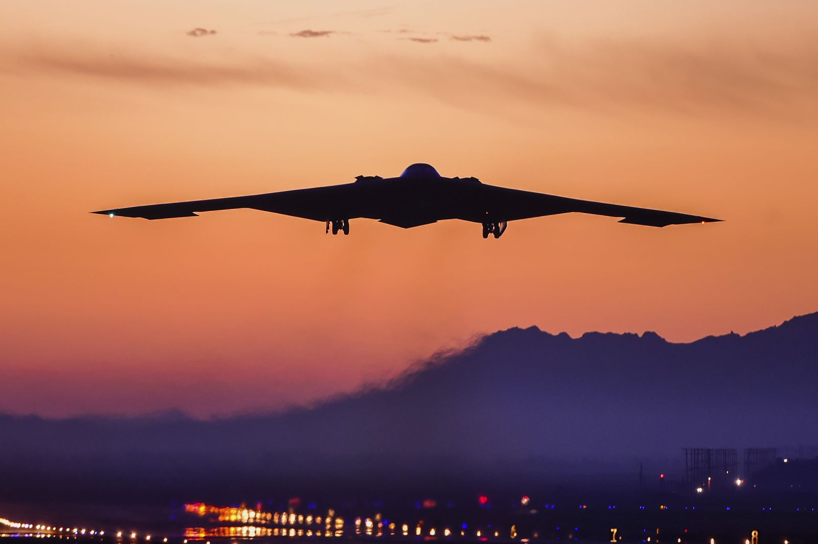 B-2 Spirit of Ohio lifts off from U.S. Air Force Plant 42 for one of its final pre-delivery flight tests.- photo LM