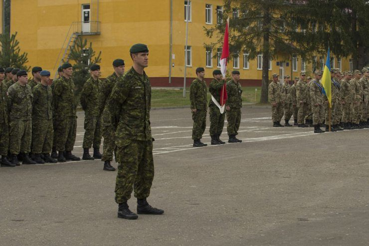 Opération UNIFIER: la mission canadienne d'instruction en Ukraine commence pour de bon