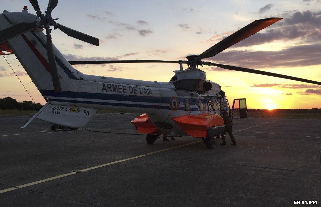 Super Puma de l'escadron d'hélicoptères (EH) 1/44 «Solenzara» - photo EH 1/44 Armée de l'Air