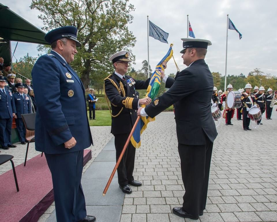 VADM C. JOHNSTONE (New COM MARCOM) recieving the MARCOM flag- 13 OCT 2015 - Photo by WO ARTIGUES (HQ MARCOM)