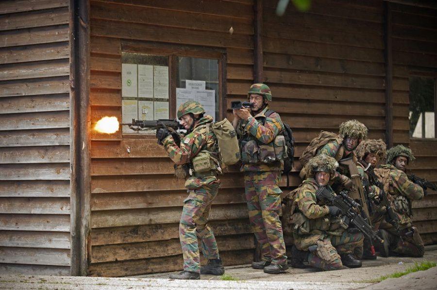 Le NRF16 Battlegroup s'entraîne et est observé de près lors de l'exercice Active Trip organisé en vue de l'accréditation OTAN Combat Readiness - Photo: Jürgen Braekevelt