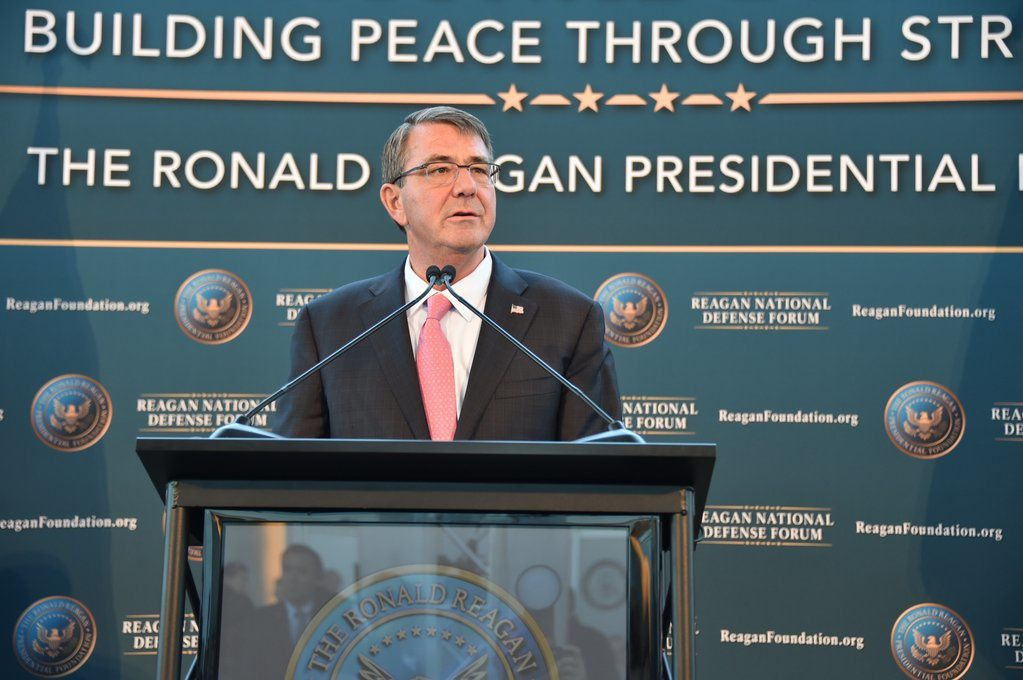 Secretary of Defense  Ashton Carter photo R. Reagan Foundation ‏.jpg