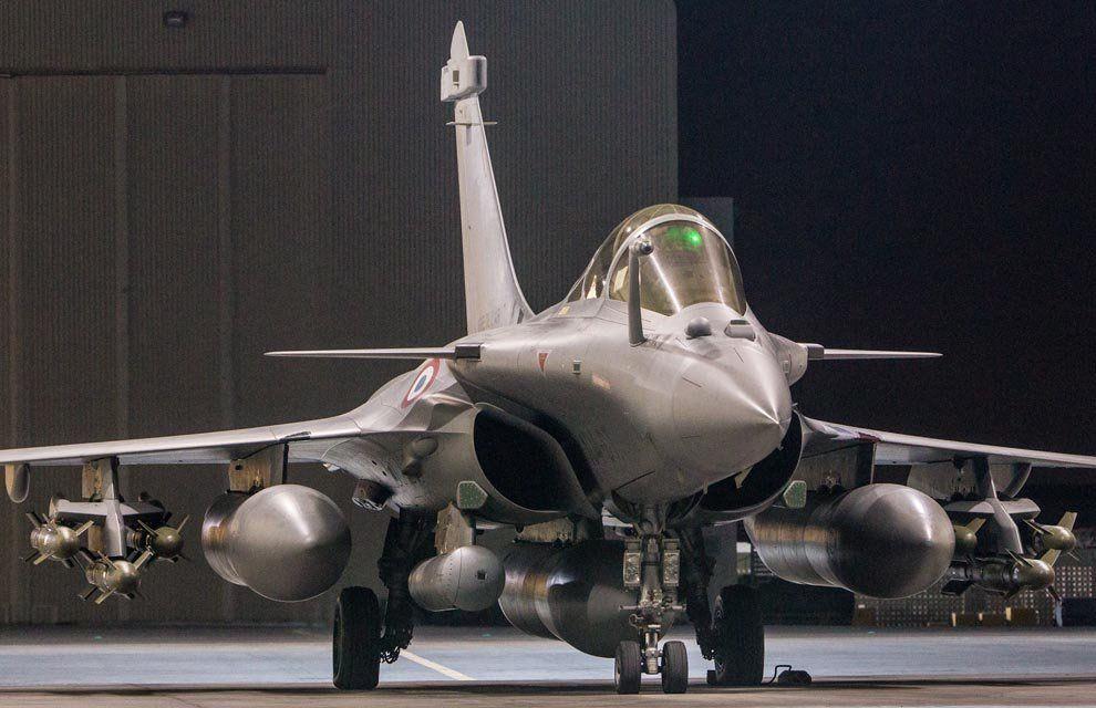 En trois jours, la France frappe trois fois Daech en Syrie