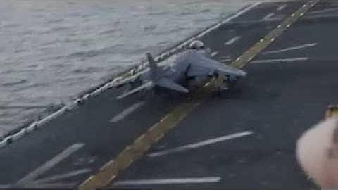 USS Kearsarge embarked Marine Corps AV-8B Harrier strikes ISIL