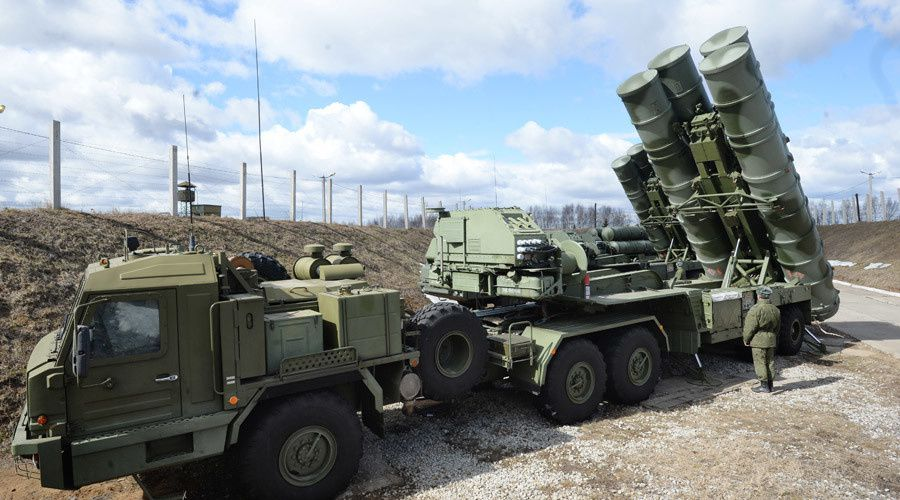 "An S-400 ""Triumf"" antiaircraft missile system. photo Kirill Kallinikov / Sputnik"