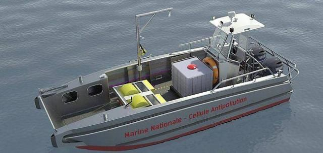 Le prototype du bateau commandé par le centre de lutte antipollution de la Marine nationale. Photo Cleansails