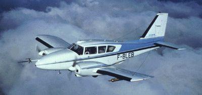 Avion Piper-Aztec de SAFIRE, partenaire du projet photo SAFIRE