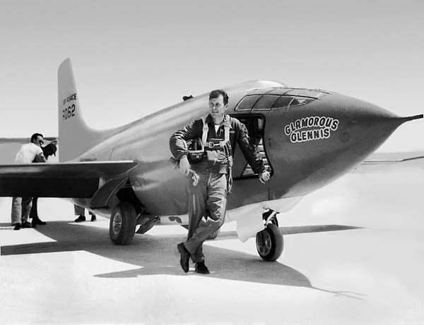 Charles Yeager  - photo USAF