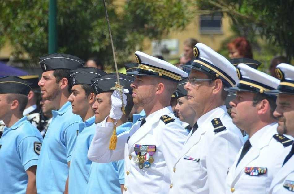 L'aviso Cdt Bouan à Ajaccio pour les cérémonies du 8 mai