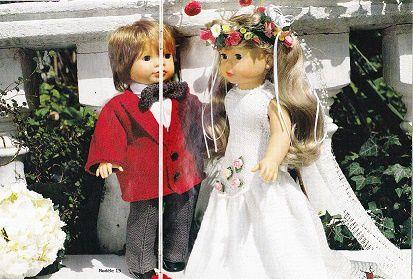 Costume et robe de mariée poupées