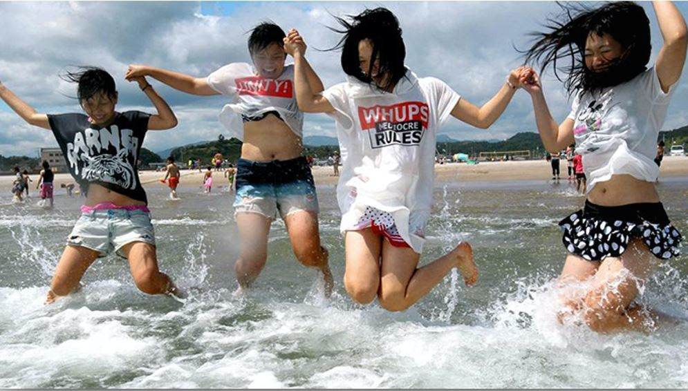 Youngsters were jumping for joy with the July 15 reopening of Yotsukura beach here, closed these past two-plus years due to the nuclear disaster triggered by the Great East Japan Earthquake and tsunami. (japanbullet.com)