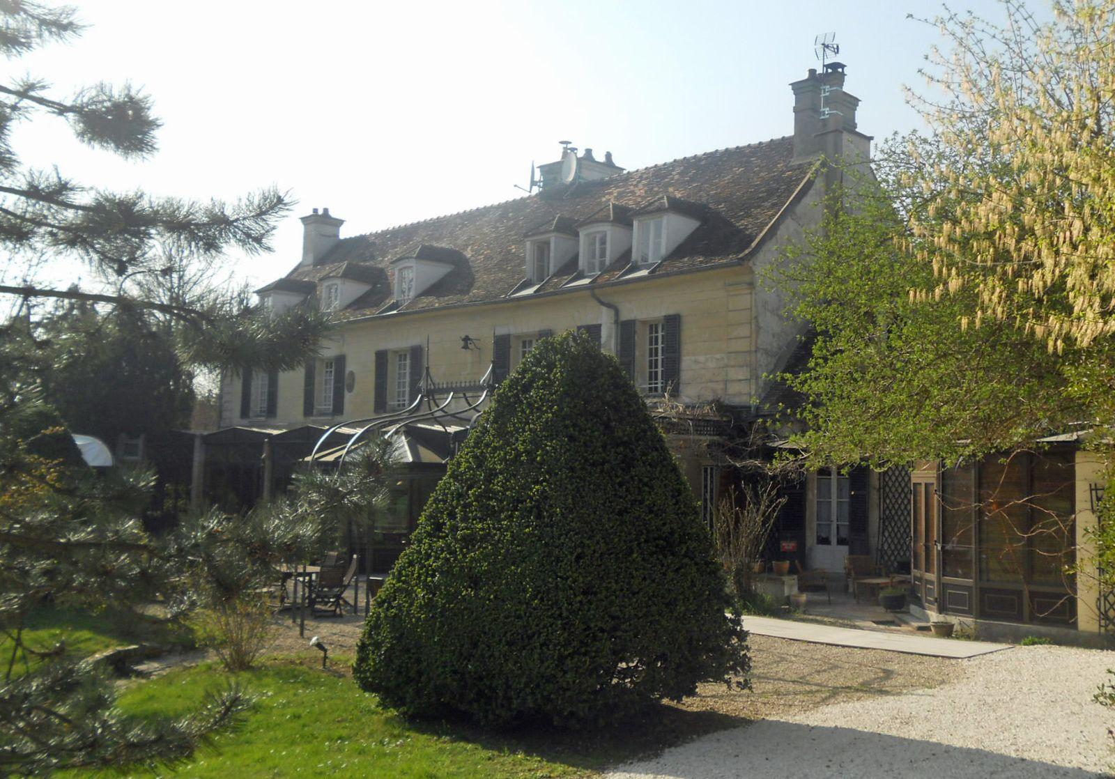 un hôtel à Varennes-Jarcy