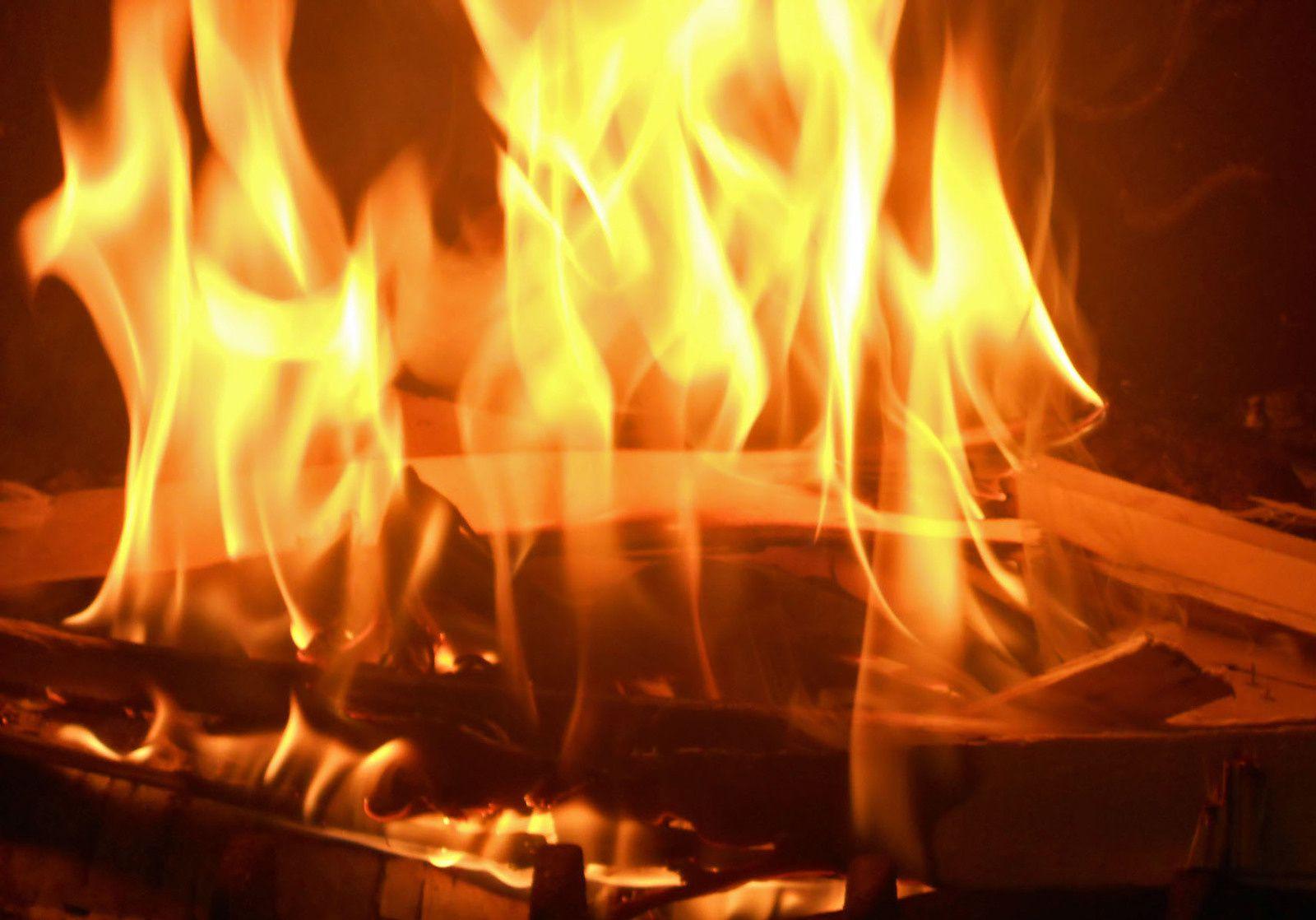 jeu de khanel une flamme margaux33brigit08. Black Bedroom Furniture Sets. Home Design Ideas