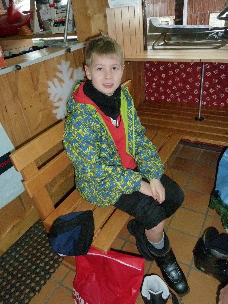 On essaie les chaussures de ski