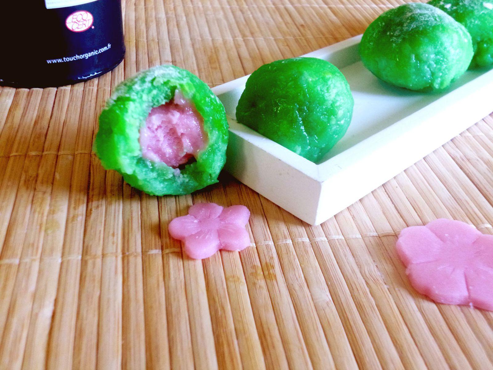 Mochi en rose et vert pour le Hina Matsuri