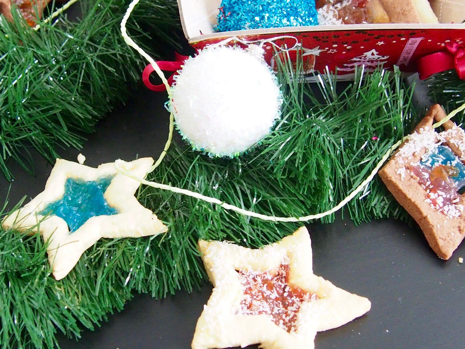 Les cookies vitraux à accrocher au sapin