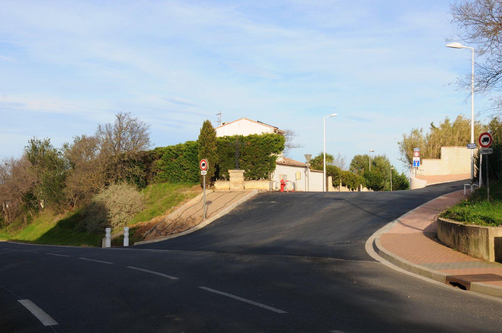 Carrefour du chemin de la Procession et la RN112