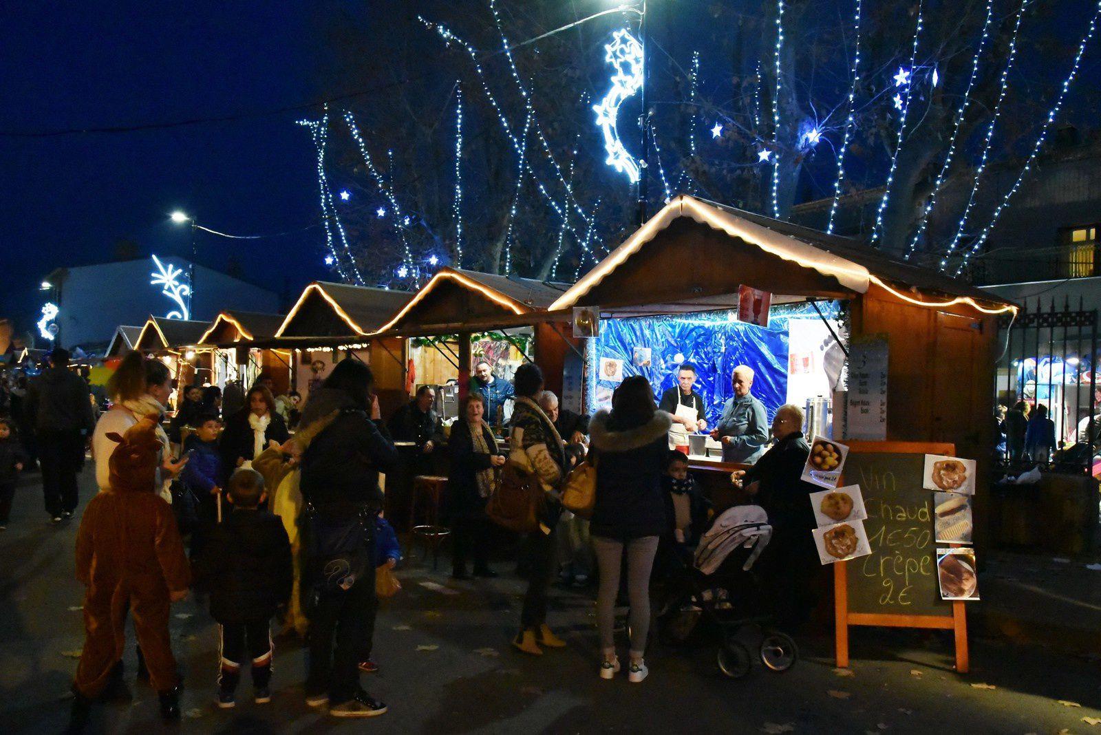 Le village de Noël  et la parade à Marseillan (suite)