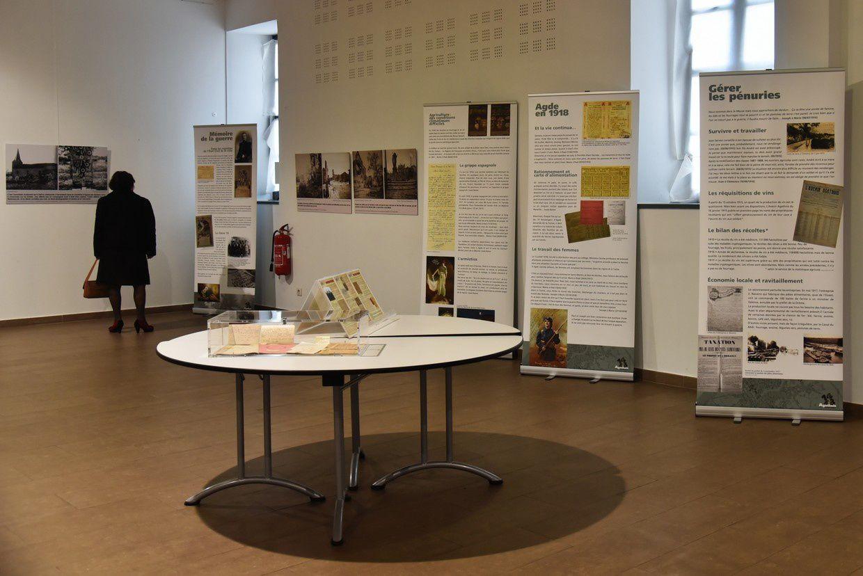 Après la collecte nationale, exposition d'authentiques objets de la guerre...