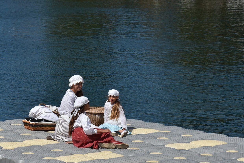 La  Fête du fleuve en Agde: les lavandières