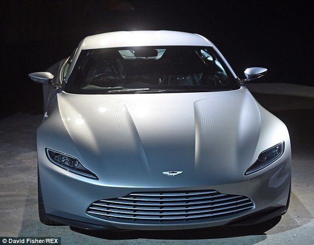 James Bond bientôt en Aston Martin... DB10 !