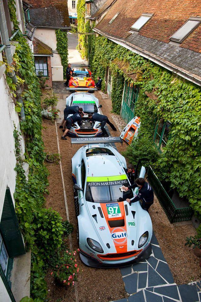 24 Heures du Mans : Aston Martin retrouve l'Hôtel de France !